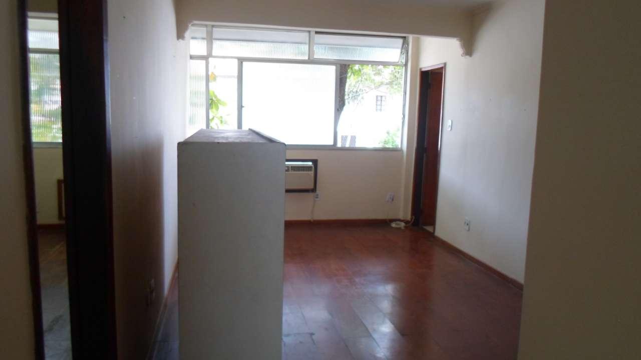 Excelente Apartamento 03 Quartos no IAPI da Penha - 3-026 - 3