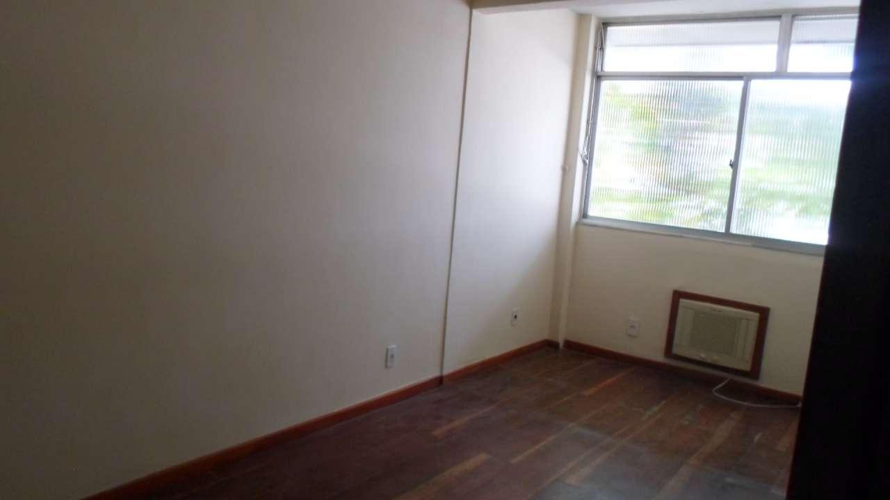 Excelente Apartamento 03 Quartos no IAPI da Penha - 3-026 - 23