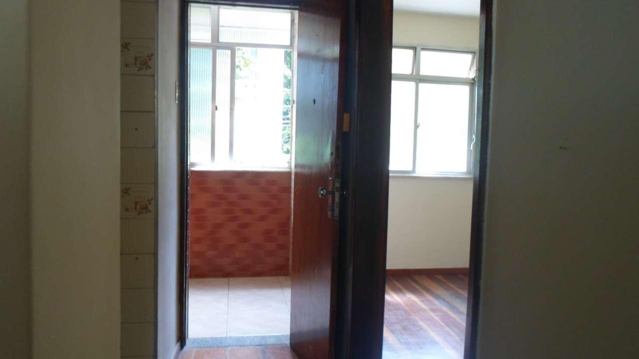 Excelente Apartamento 03 Quartos no IAPI da Penha - 3-026 - 26